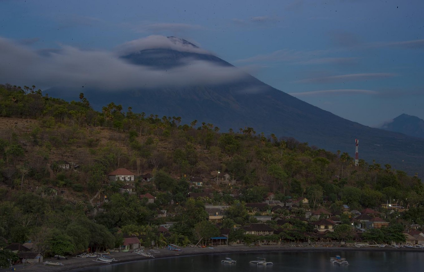 Flights canceled for third day following Mount Agung eruption