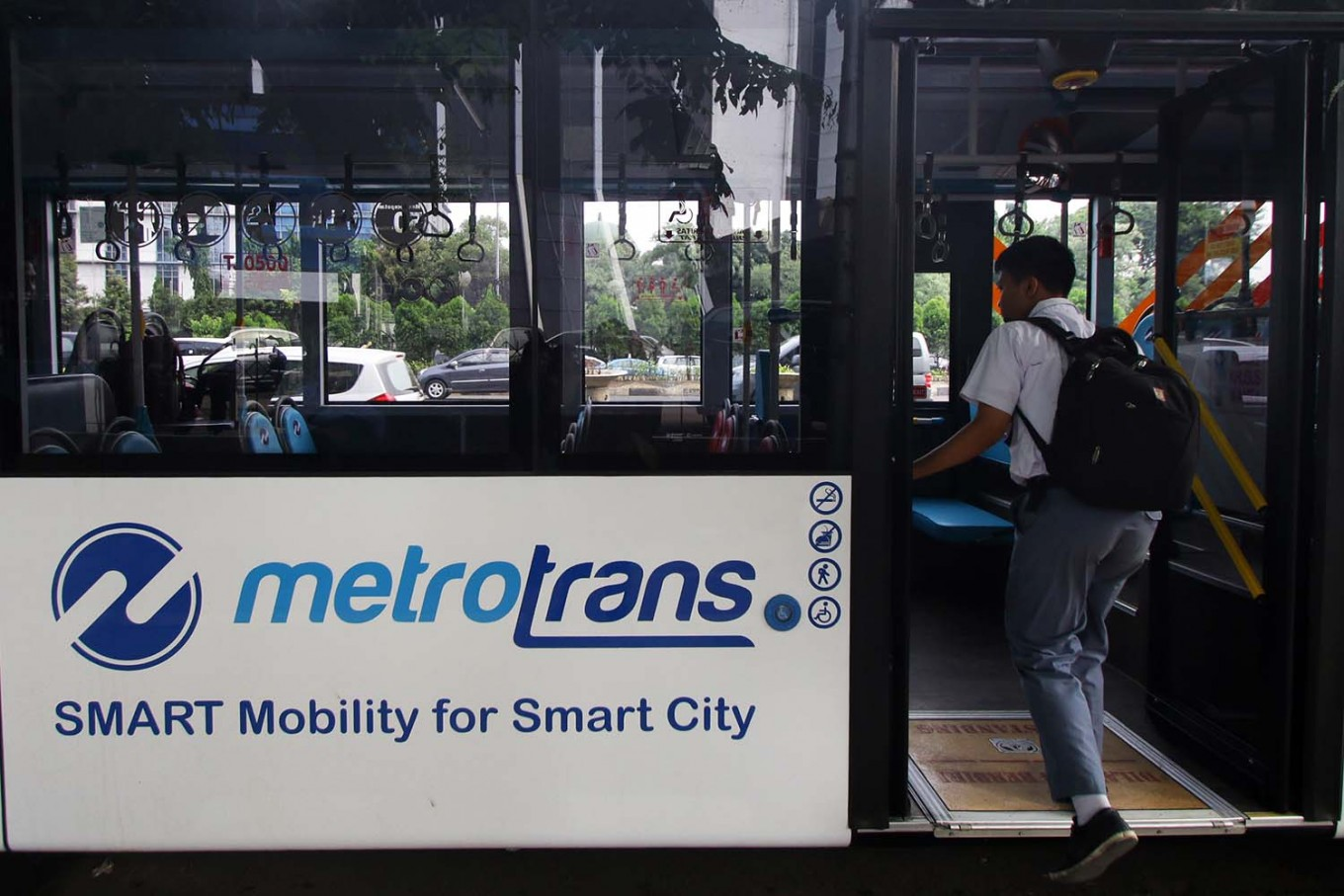 Transjakarta to operate until after midnight on Idul Fitri eve