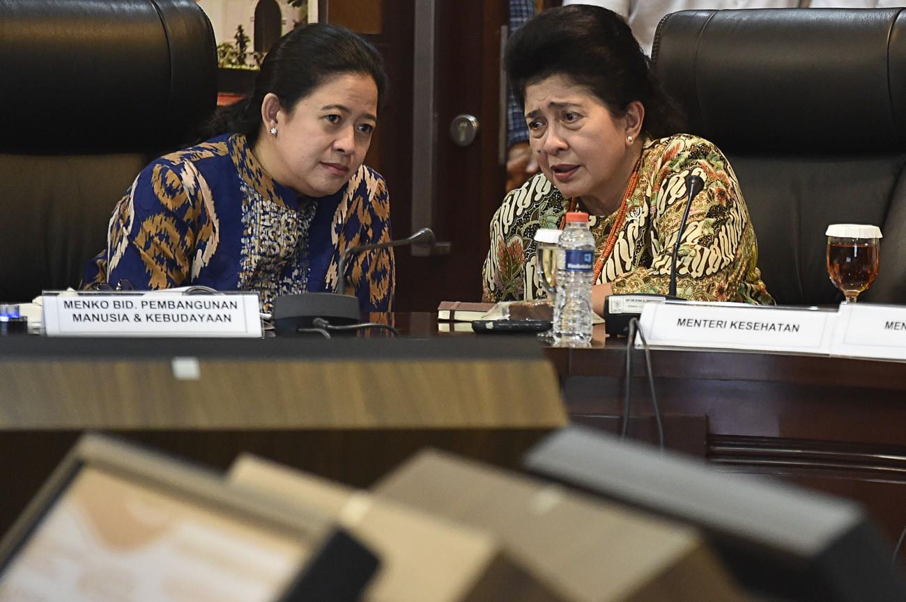 Puan denies Setya's claim she received e-ID money