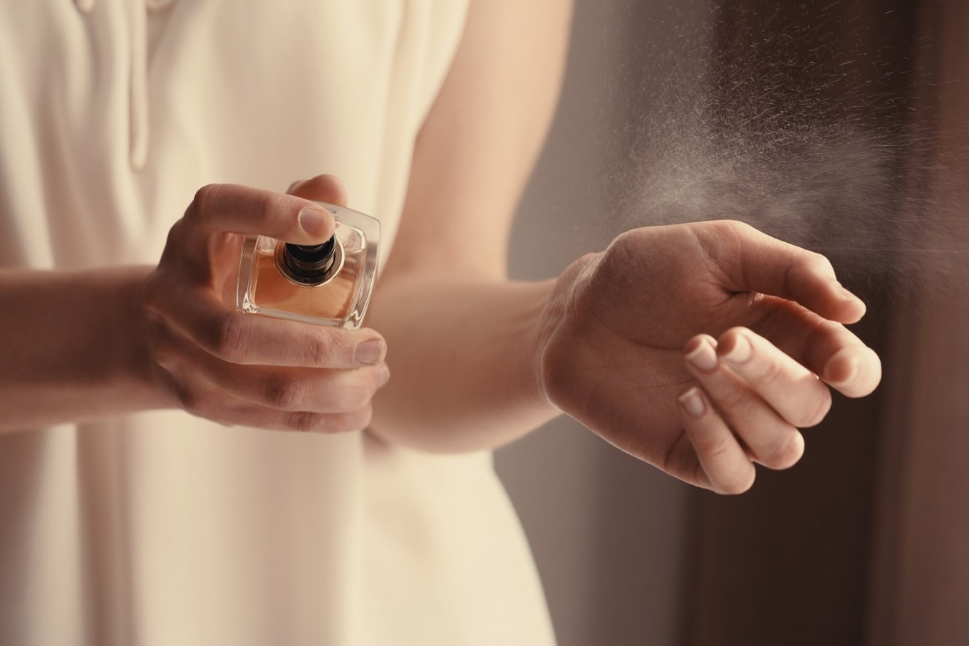 Gross ingredient helps perfumes smell good