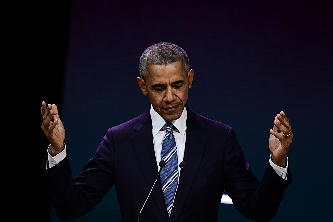 Obama warns of social media's corrosive effects