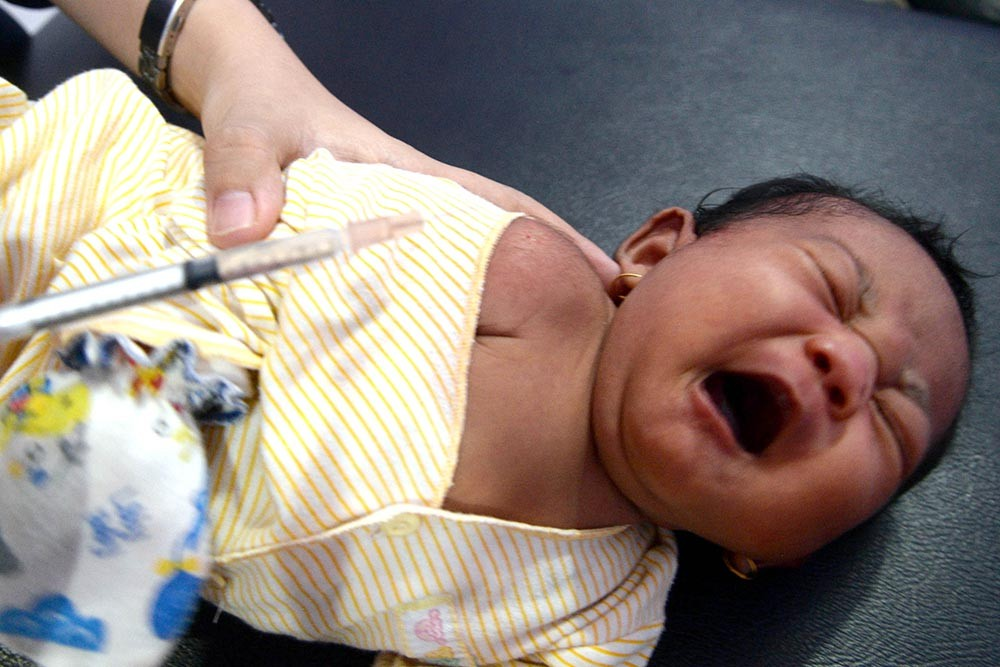 CCTV recording shows woman abandoning baby in North Jakarta