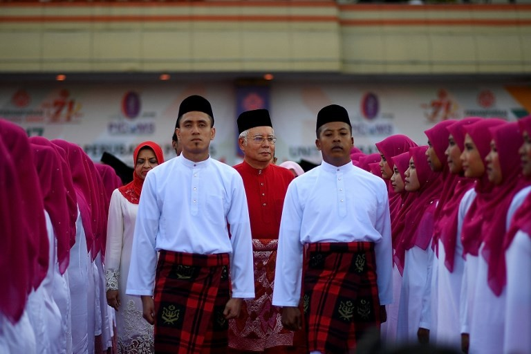Malaysia to vote next month in closely fought general election