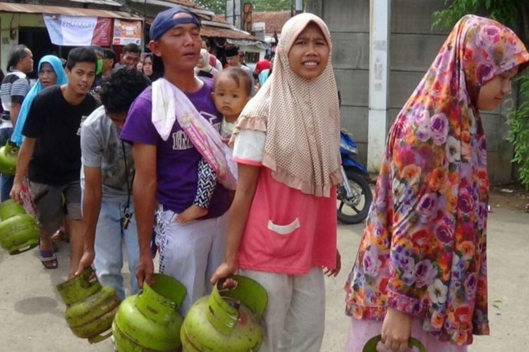 Demand for subsidized LPG exceeds quota: Pertamina
