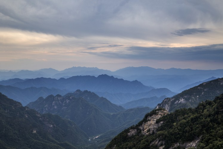 Bullet train tames China's Qinling Mountains