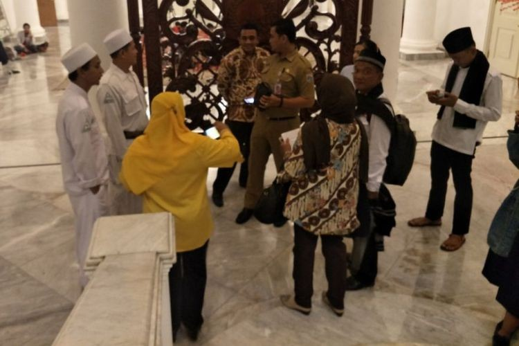 Anies unaware of lunch meeting with mass organizations