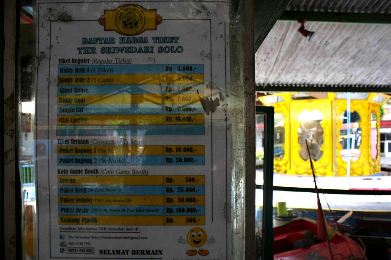 The ticket price list for different games at Sriwedari Park. JP/Maksum Nur Fauzan