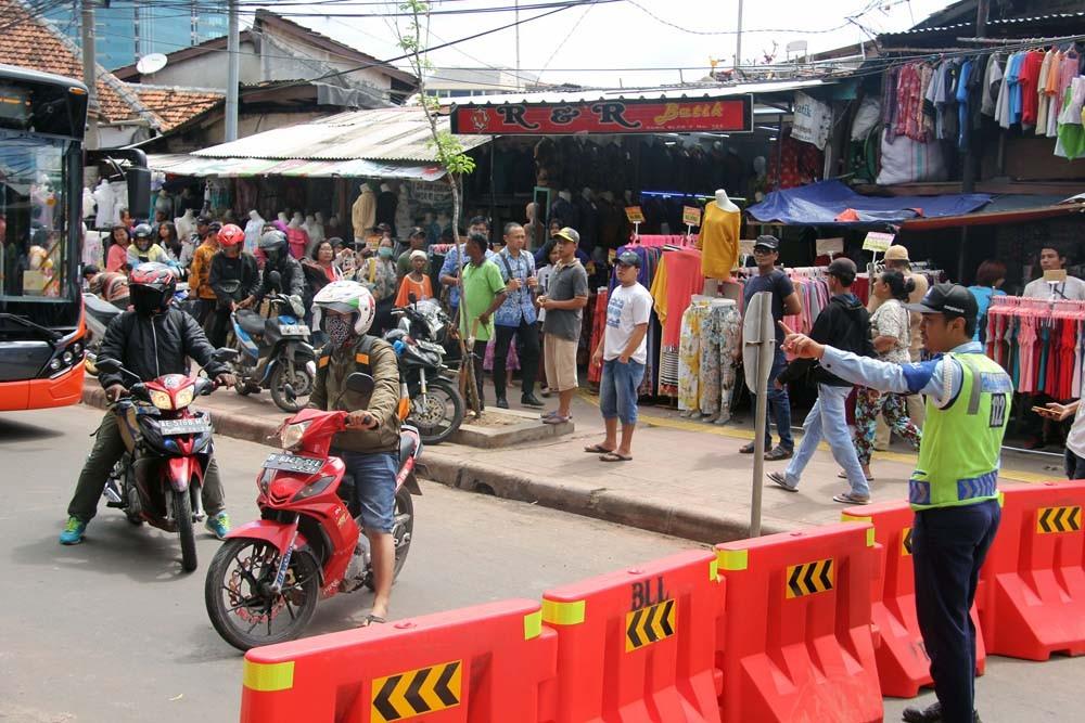 Tanah Abang road closure based on regulation, city legal bureau says