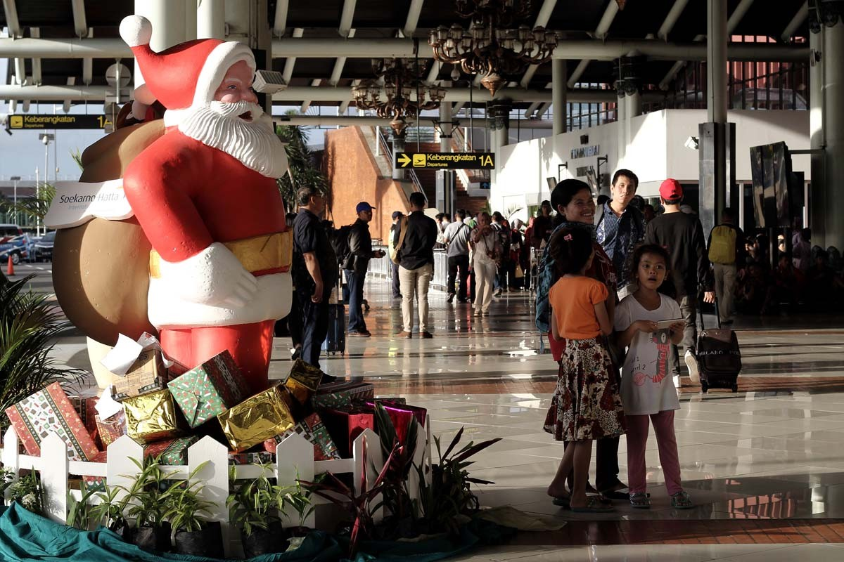 Holiday season: Which transportation mode is most favored by travelers?