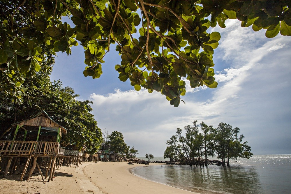Singaporean, Malaysian tourists flock to Karimun for year-end holiday