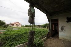 A house damaged by the 2004 tsunami is still standing. JP/Hotli Simanjuntak