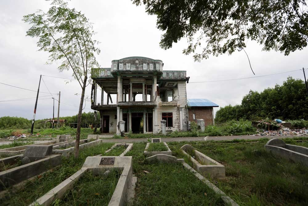 The frame of a home still stands 13 years after the tsunami struck Aceh. JP/Hotli Simanjuntak