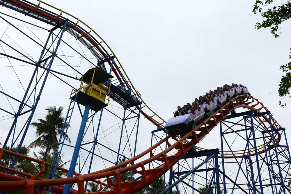 Dufan to thrill visitors until 11 p.m. on April 26