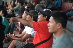 Parents show support for their daughters during a match. JP/Maksum Nur Fauzan