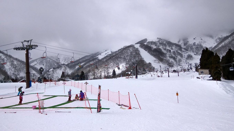 Young skiers enjoy Hakuba Goryu's children's area. JP/Agnes Anya