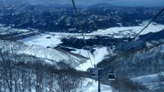 Goryu-Toomi cable cars offer an idyllic mountain view of Hakuba during the winter. JP/Agnes Anya