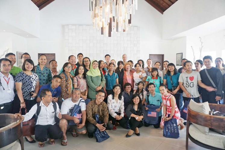 Stronger: President and CEO of Bender Consulting Services Joyce Bender (center right, second row) poses with participants of the sharing session at the Annika Linden Center in Denpasar, Bali.