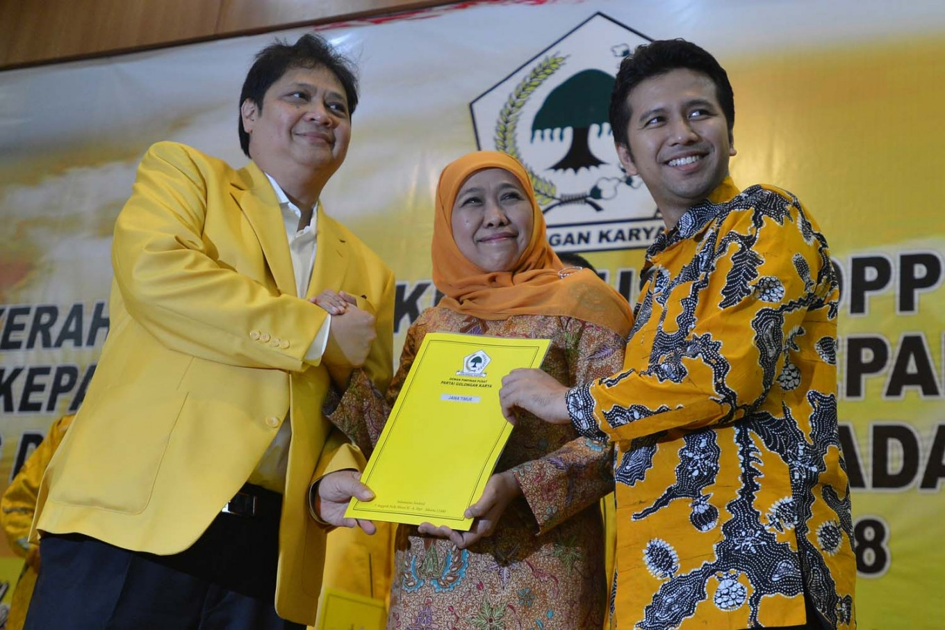 Parties ask Khofifah-Emil to support Jokowi in 2019 election