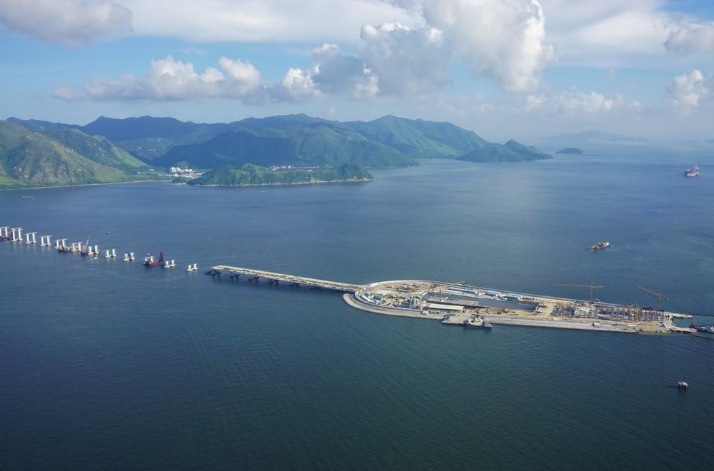 Hong Kong-Zhuhai-Macau Bridge to open in Q2 of 2018