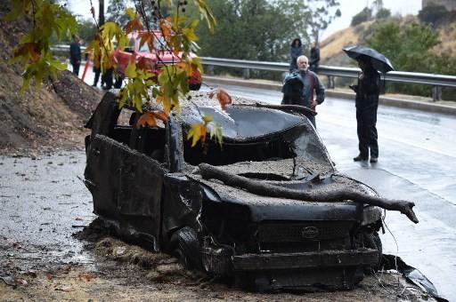 California mudslides demolish homes, eight deaths reported
