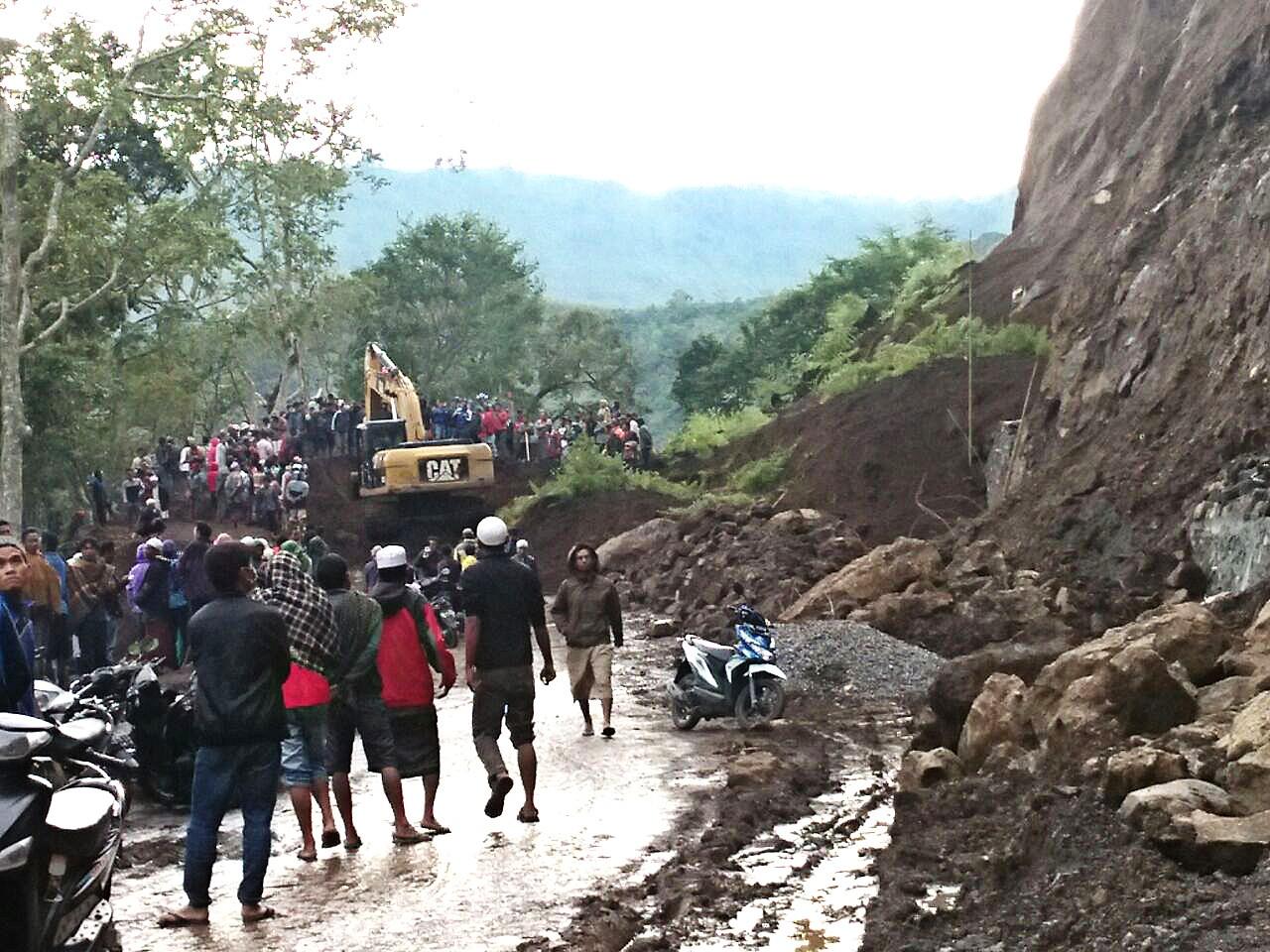 One killed after landslide hits Lombok tourist area