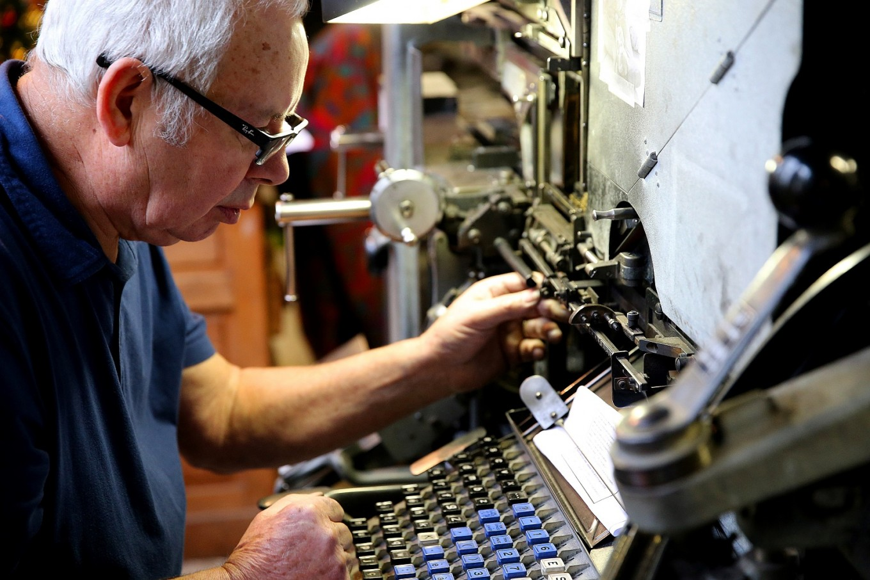 Website? Century-old French newspaper seeks new Linotype instead