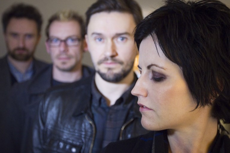 Cranberries to release album despite O'Riordan death