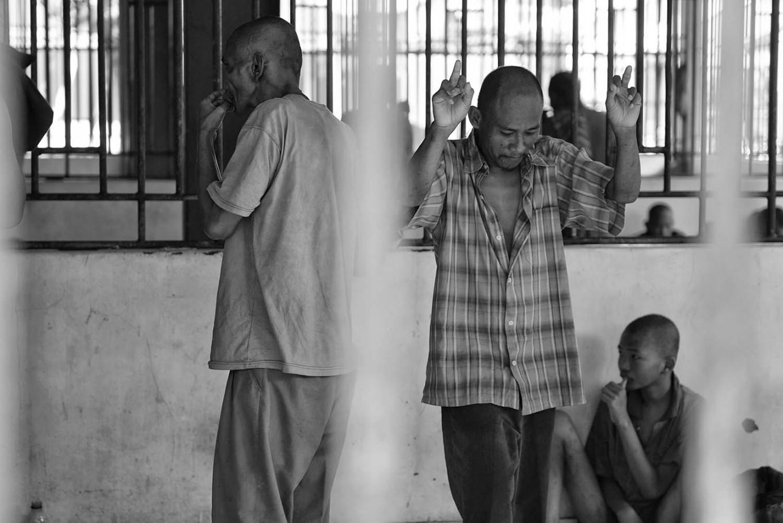 A mentally ill patient dances after a nurse plays music. Antara/Hafidz Mubarak