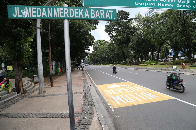 Jakarta designates lane for motorcycles