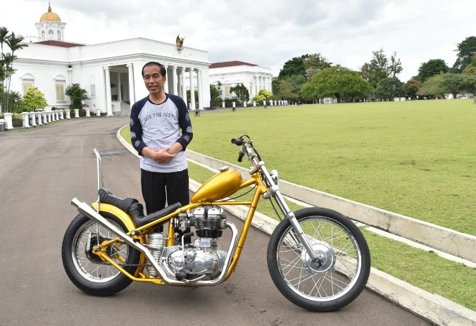 Jokowi criticizes regions for lengthy business permit issuance