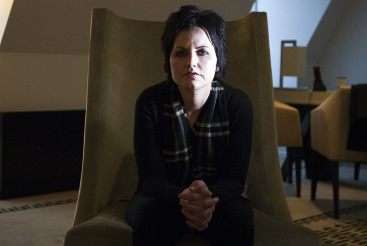 Cranberries debut single of last album to mark singer's death