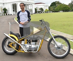 President Jokowi purchases custom motorcycle, boosts local businesses