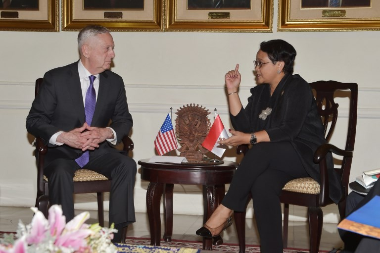 Jokowi discusses security issues with US Defense Secretary Mattis