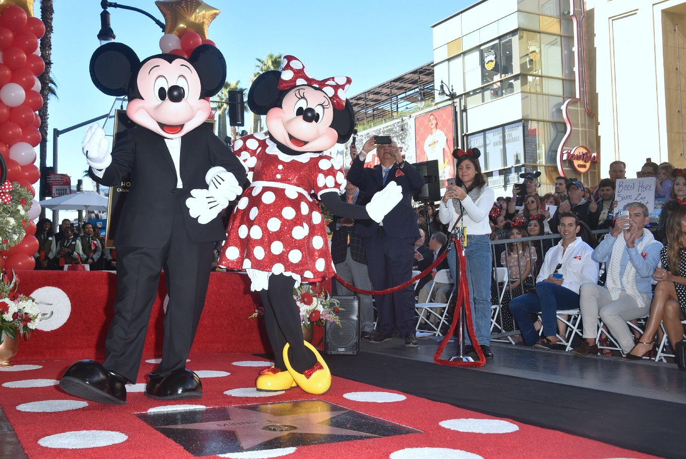 Mickey, Minnie Mouse to enliven Christmas celebrations in Jakarta