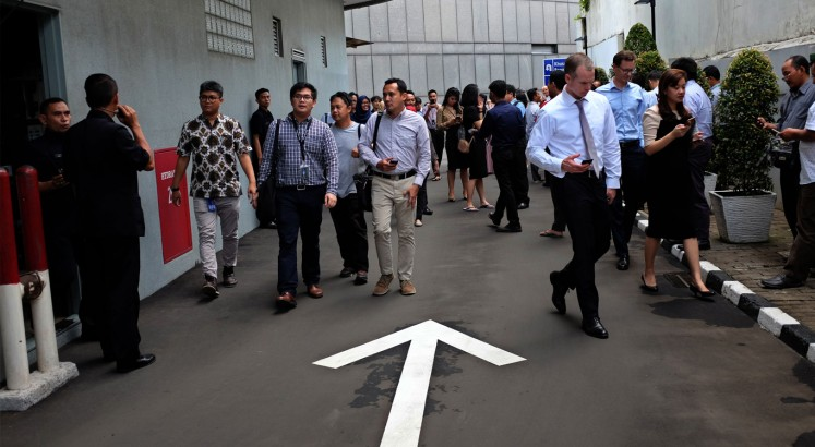 Strong 6.4 earthquake hits Banten, no tsunami warning