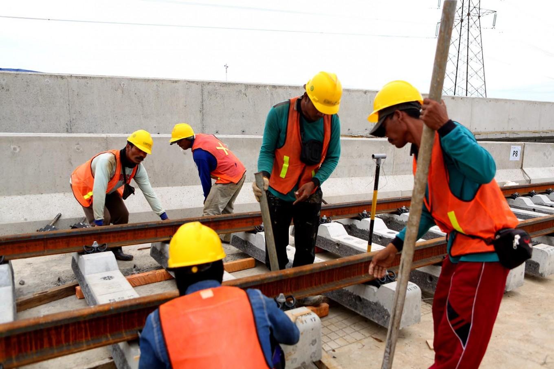 RI prepares mechanism for providing unemployment benefits