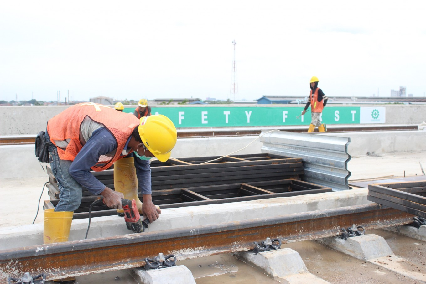 Development of LRT stations in final stage