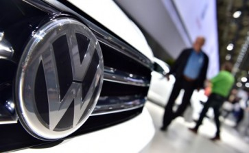 Daimler, VW face more recalls over emissions cheating: report