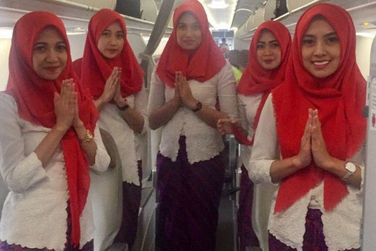Minister supports hijab requirement for airline cabin crew to Aceh