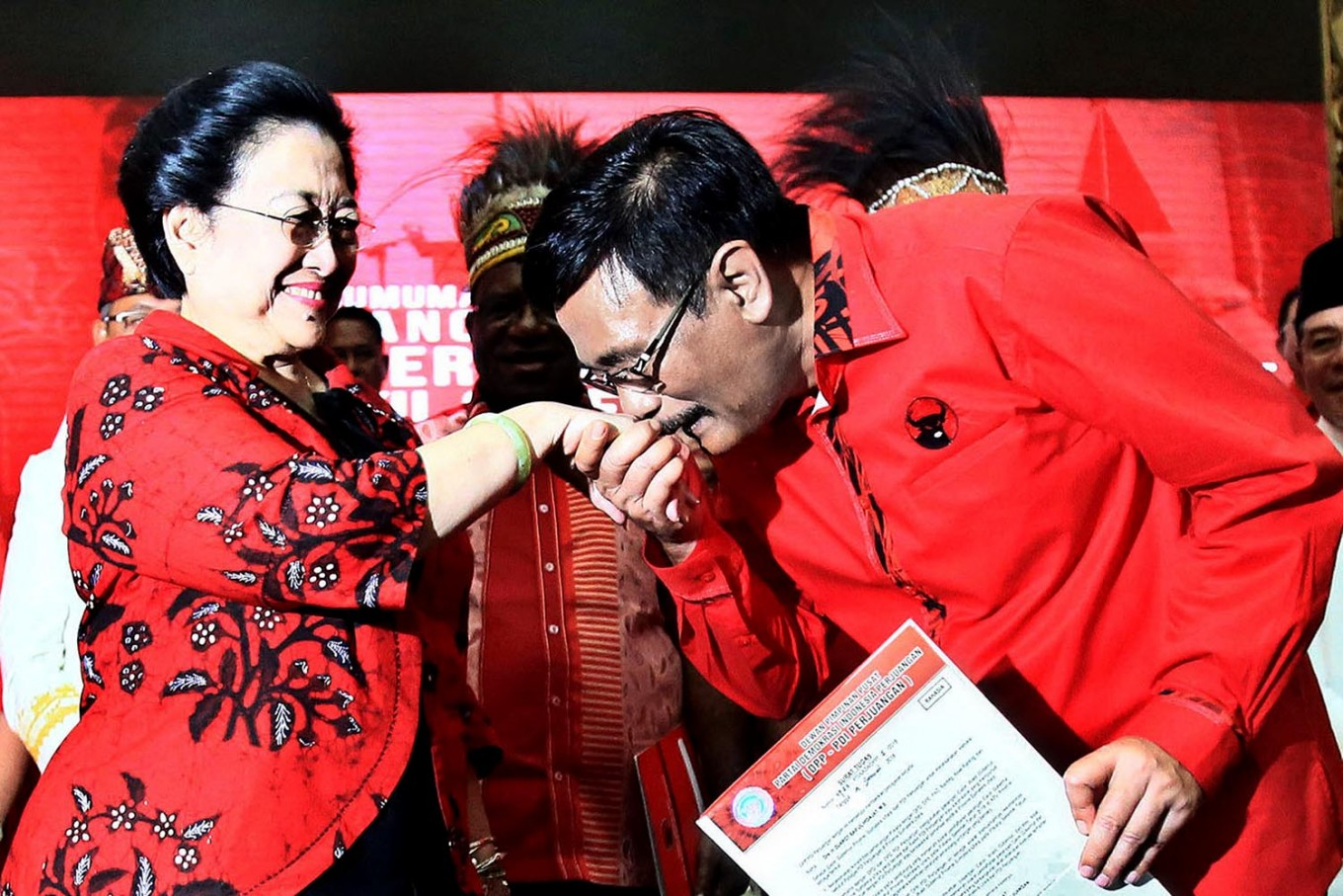 PDI-P supporters protest newspaper over Megawati story
