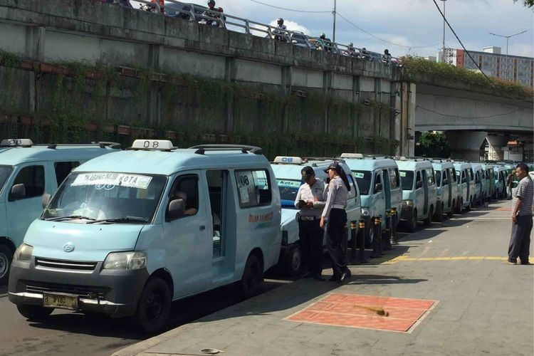 Depok reroutes public transportation to support MRT, LRT