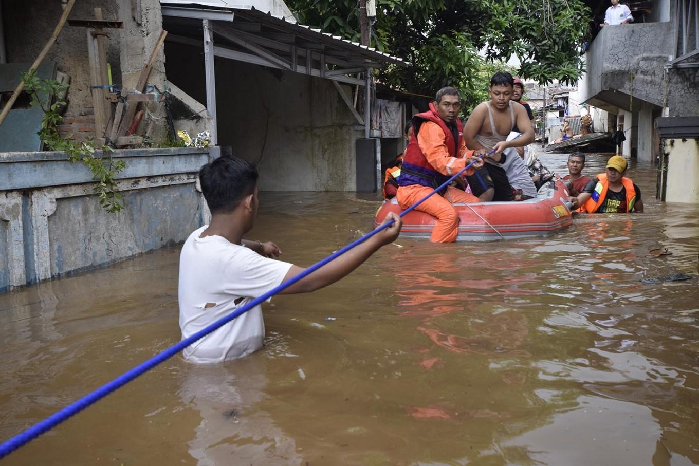 Floods affect 11,000 Jakarta residents