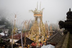 A swing 20 meters tall is displayed at Pura Bale Agung, where the Usaba Sambah ritual takes place, in Subaya village. JP/Anggara Mahendra