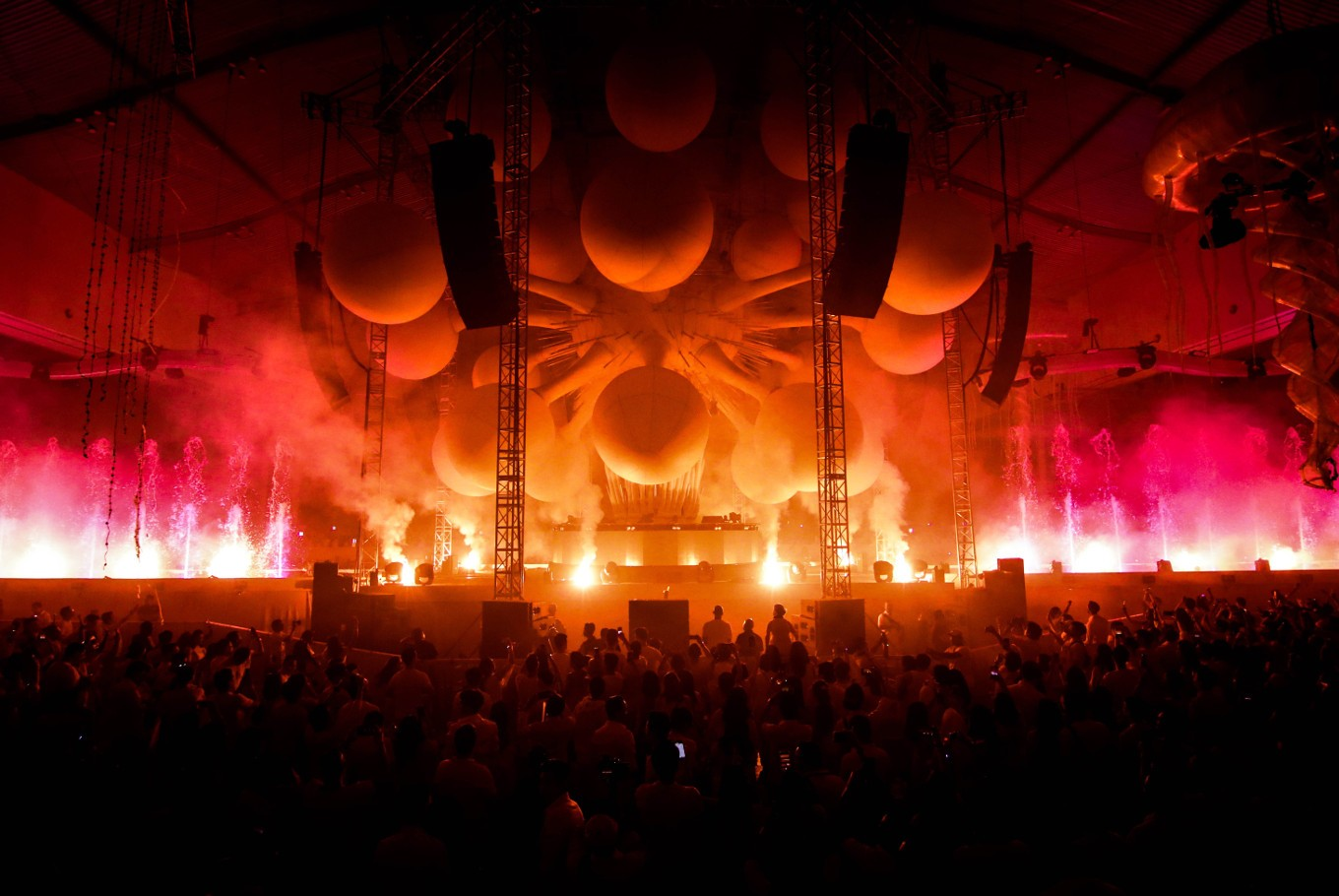 Sensation Jakarta marks first edition with ocean of white