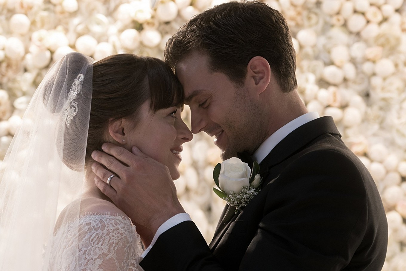 'Fifty Shades' finale steams up North American box offices