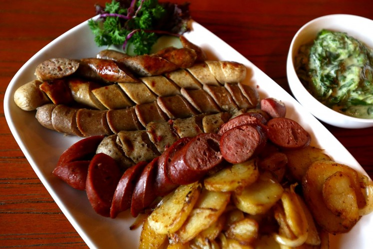 For food, Die Stube is known for its homemade sausage.