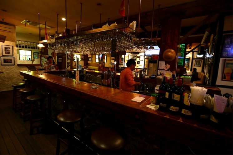 Die Stube has two areas: a bar and a dining room. Many of its decorations were brought over from Germany.