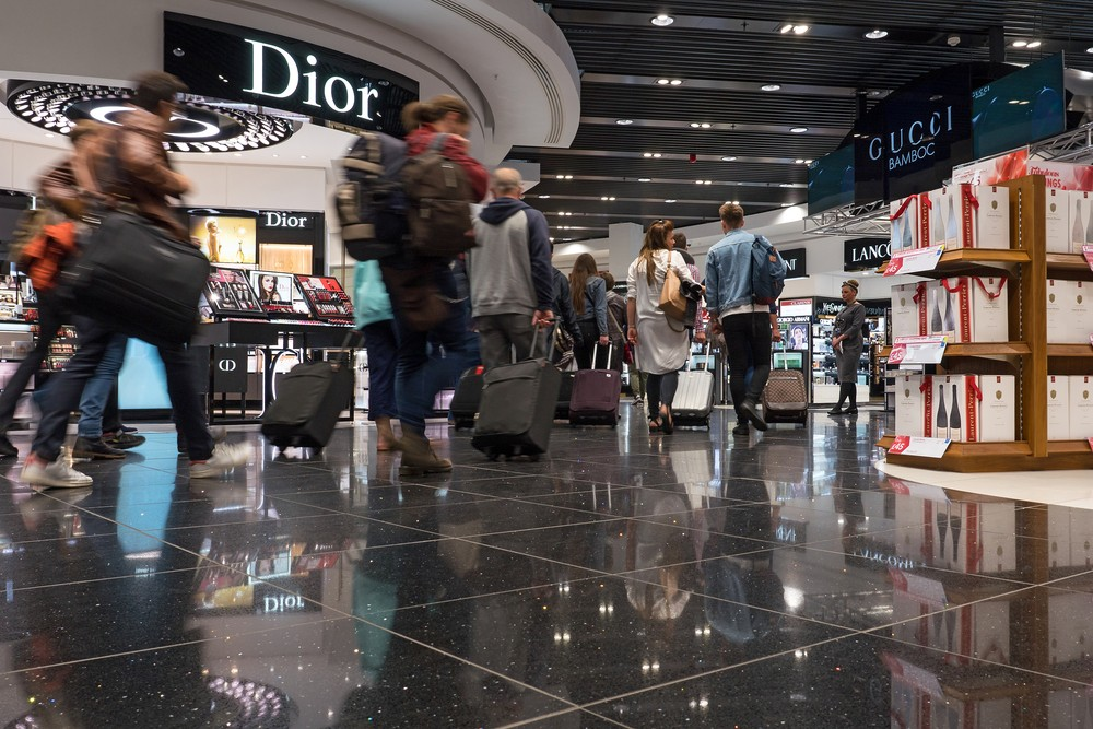 Chinese tourists upset over 'duty-free' discrimination at London airport