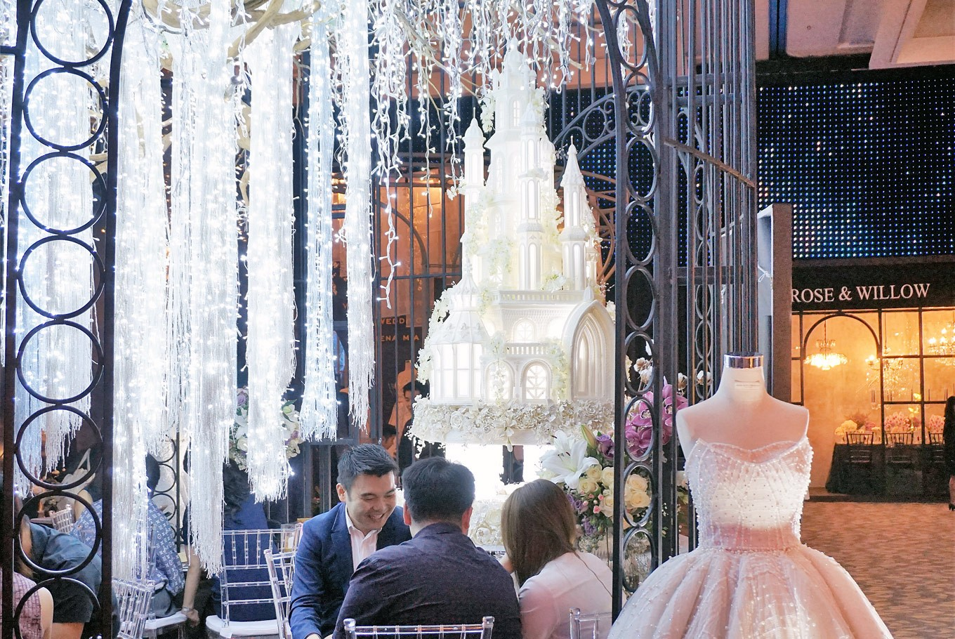 Wedding trends: Tech-inspired or intimate?