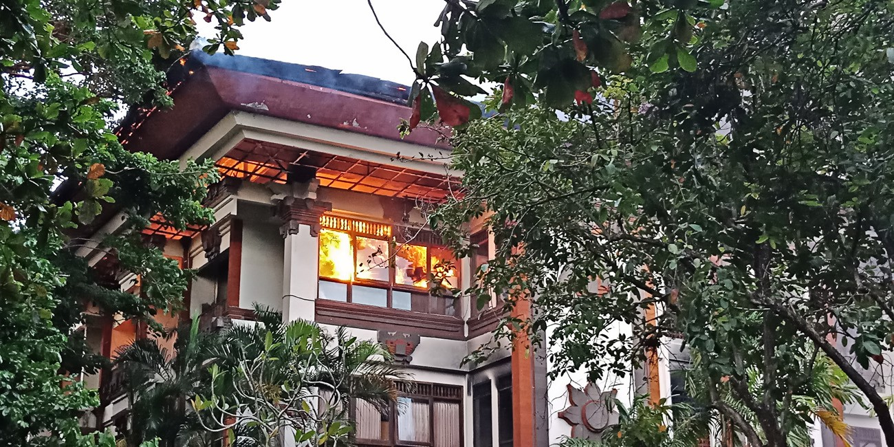 Fire at Bali governor's office investigated